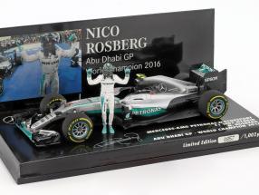 N. Rosberg Mercedes F1 W07 Abu Dhabi GP World Champion F1 2016 with figure 1:43 Minichamps