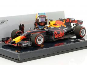 Daniel Ricciardo Red Bull RB13 #3 Winner Azerbaijan GP formula 1 2017 1:43 Minichamps