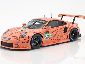 Porsche 911 (991) RSR #92 Pink Pig Tribute 24h LeMans 2018 Porsche GT Team 1:18 mit Vitrine Spark