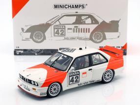 BMW M3 (E30) #42 Cor Euser BMW Dealerteam run Zolder 1991 1:18 Minichamps