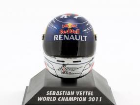 S. Vettel Red Bull GP Suzuka Formula 1 World Champion 2011 Helmet 1:8 Minichamps