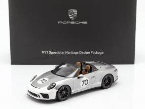 Porsche 911 (991 II) Speedster #70 Heritage Design Package 2019 with showcase silver 1:18 Spark