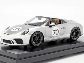 Porsche 911 (991 II) Speedster #70 Heritage Design Package 2019 with showcase silver 1:12 Spark