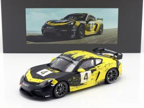 Porsche 718 Cayman GT4 Clubsport 2019 yellow / black with showcase 1:18 Minichamps