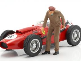 Mechanic with brown Overalls Figure 1:18 FigurenManufaktur