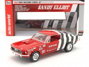 Ford Mustang Fastback Sandy Elliott 1968 red / white / black 1:18 AutoWorld