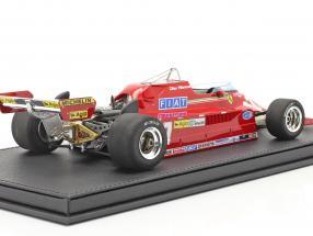 Gilles Villeneuve Ferrari 126CK #27 formula 1 1981 with showcase
