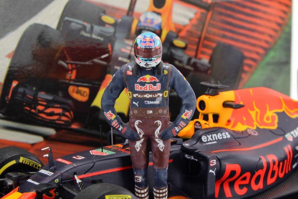 Daniel Ricciardo Red Bull RB12 #3 Austrian GP formula 1 2016 With driver figure