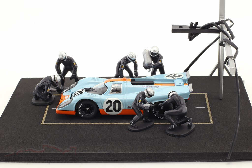 Pit stop mechanic set with 6 characters and equipment blue