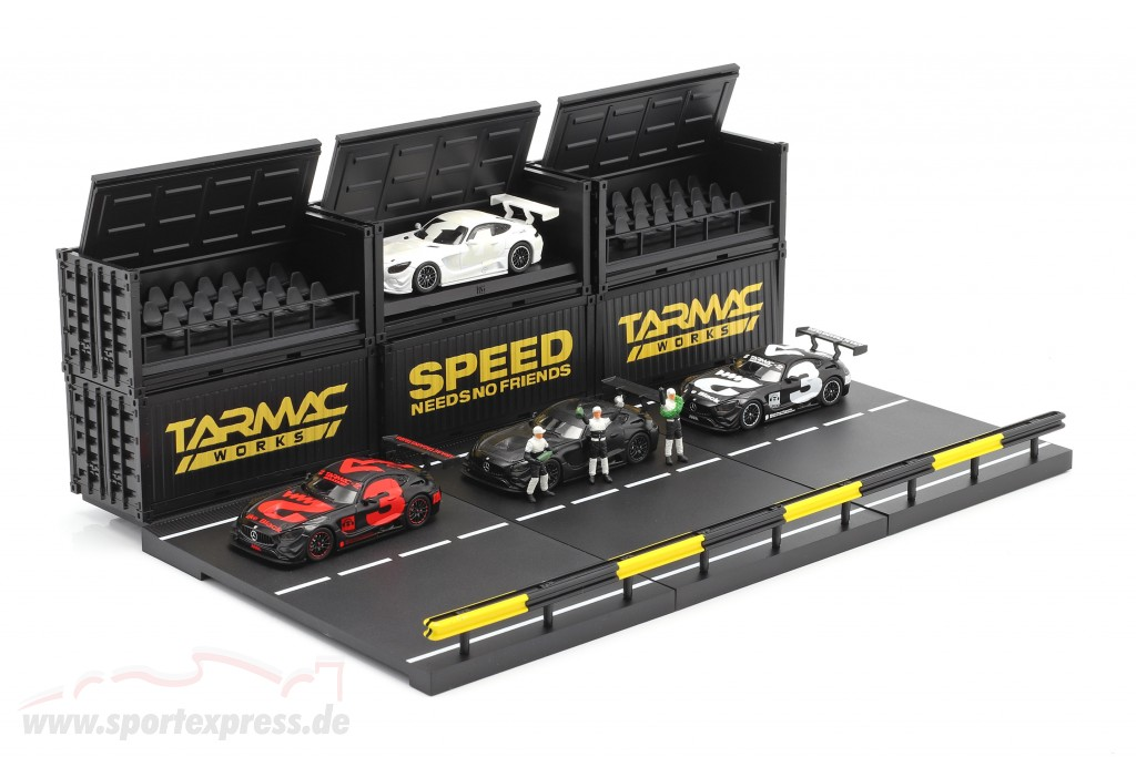 4-Car Set Mercedes-Benz AMG GT3 #3 with Pit lane diorama