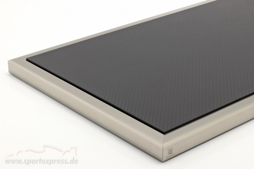 High quality acrylic Showcase Dieppe Carbon with acrylic / metal base carbon / silver