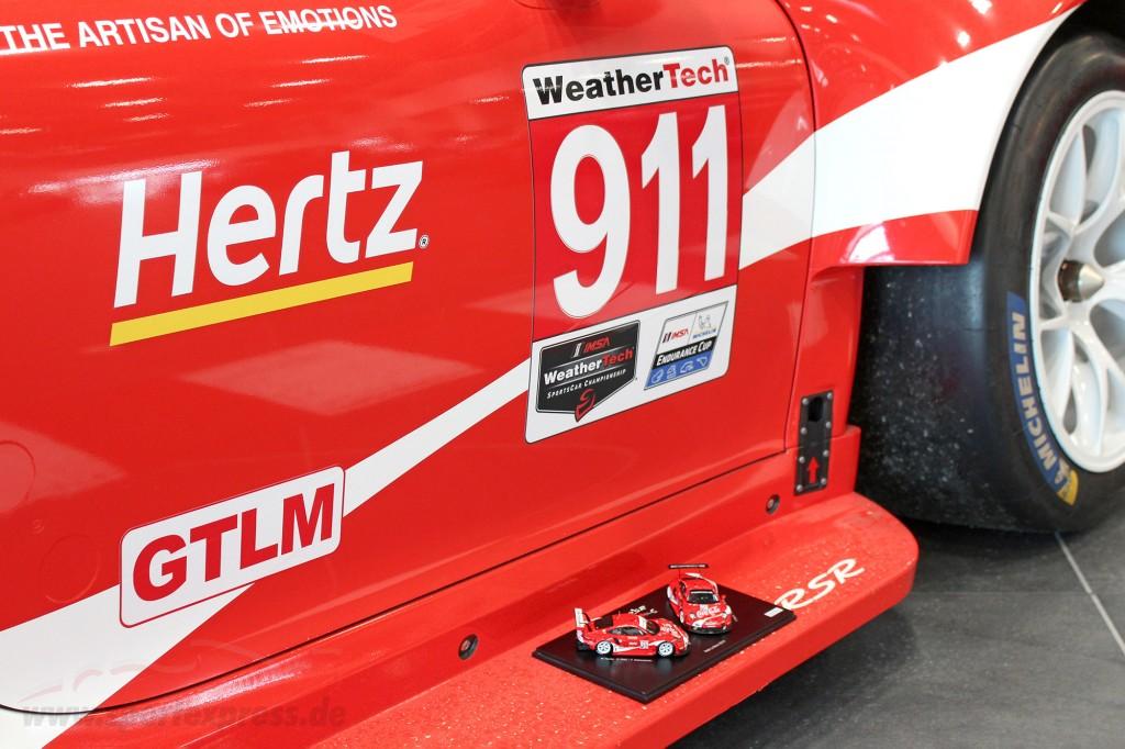2-Car Set Porsche 911 RSR Coca-Cola #911 #912 Petit LeMans IMSA 2019